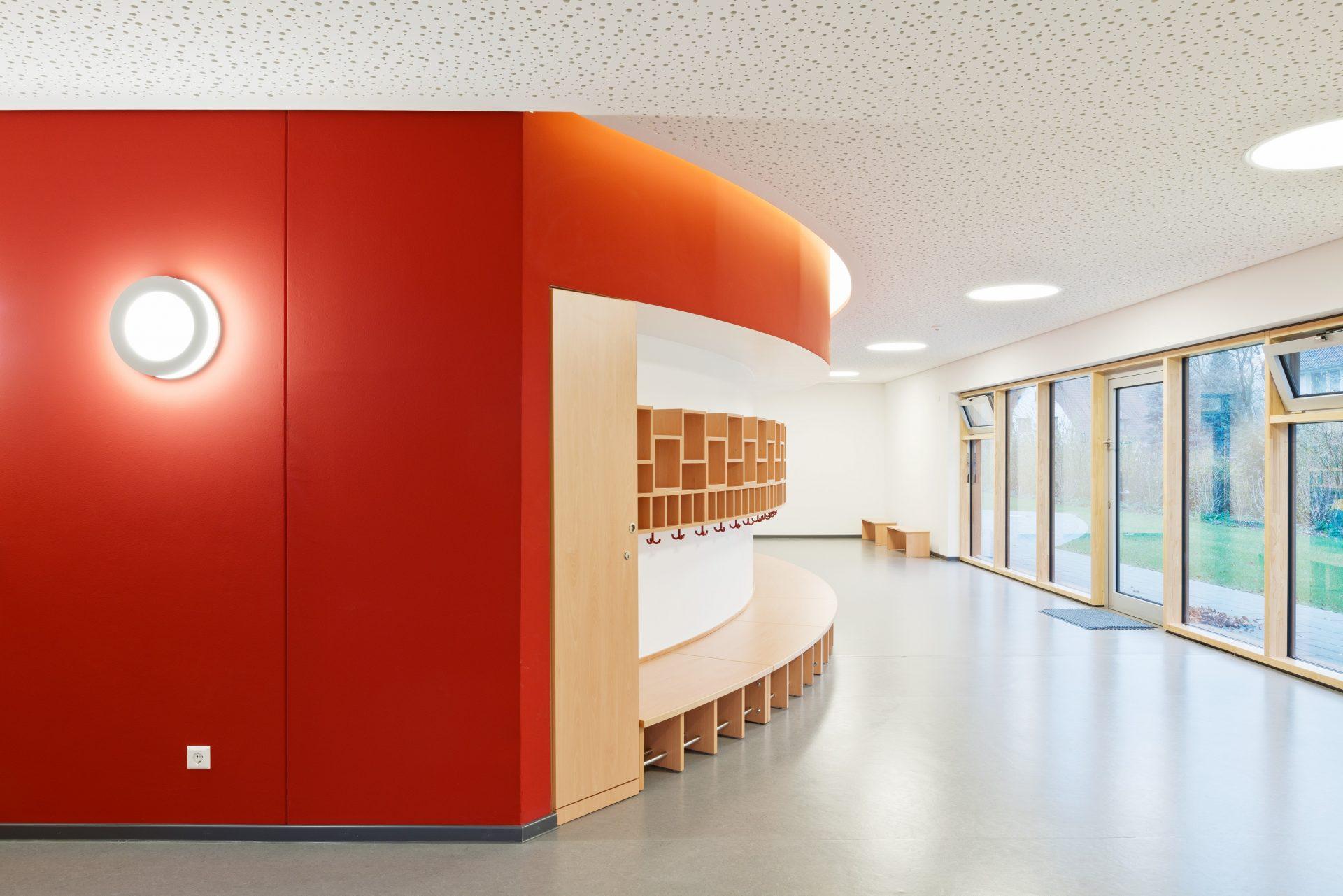 http://www.stricker-architekten.de/projekte/neubau-kita-heinrichstrasse-wunstorf/