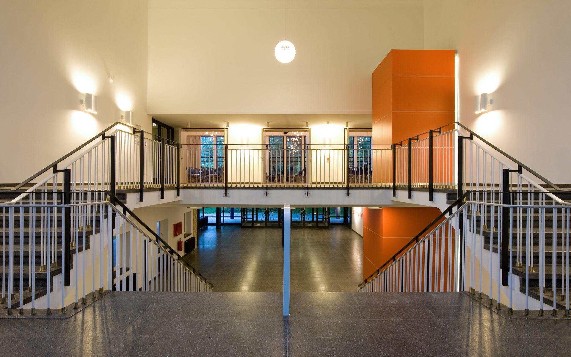 http://www.stricker-architekten.de/projekte/aula-und-mensa-tellkampfschule-hannover/