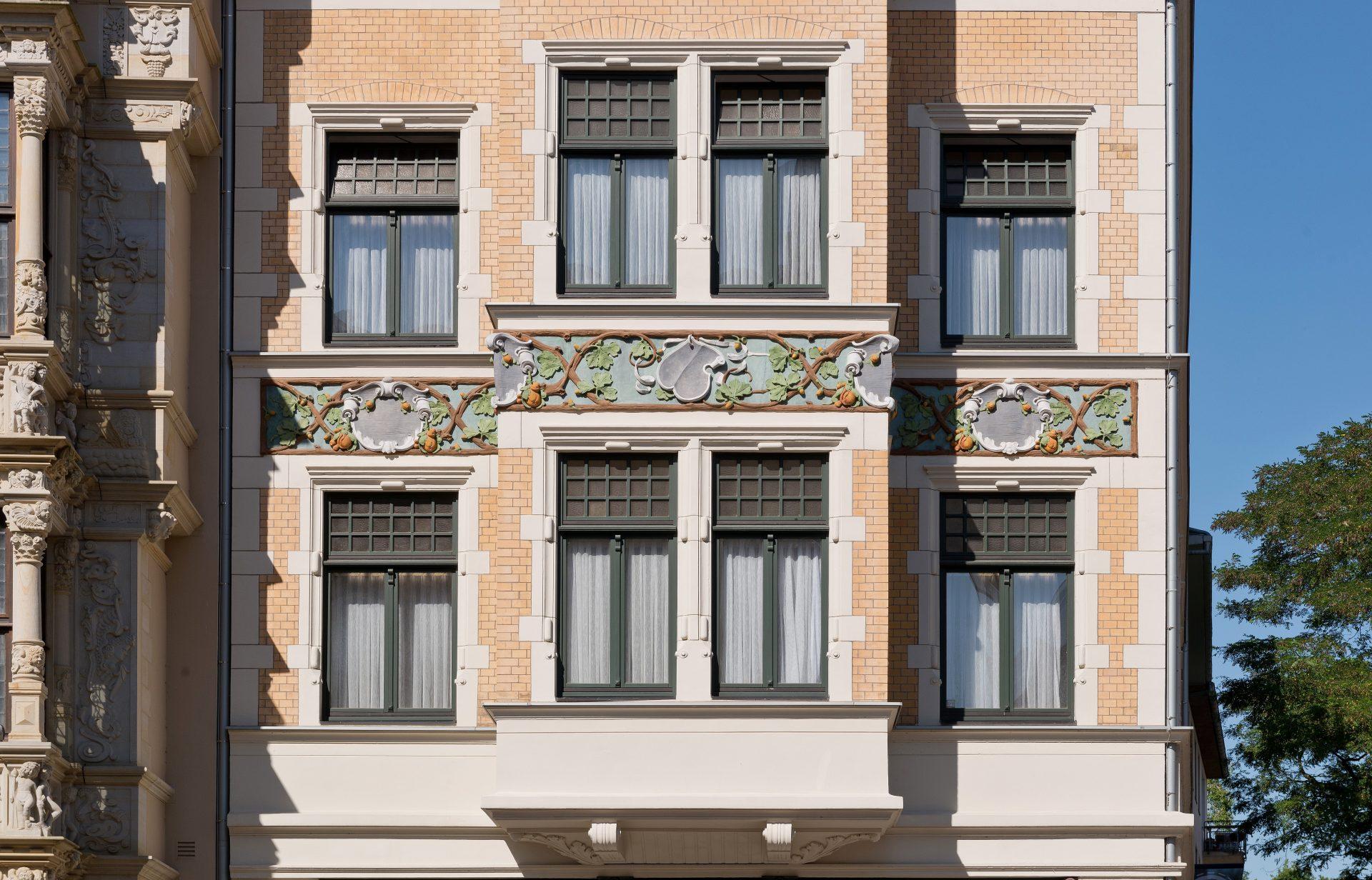 http://www.stricker-architekten.de/projekte/fassadensanierung-leibnizhaus-und-noltehaus-hannover/